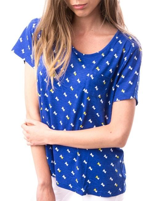 Tricou albastru cu triunghiuri albe si galbene