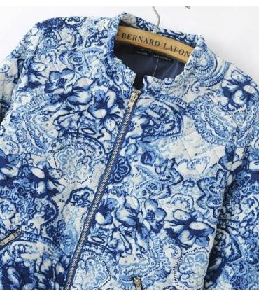 Bomber jacket alba cu imprimeu floral albastru  - 4