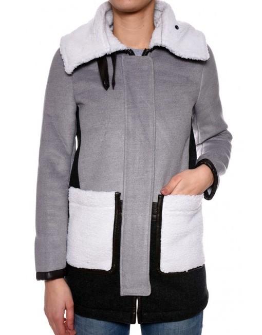 Palton gri cu blanita alba