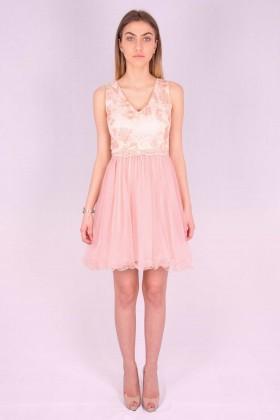 Rochie roz cu bust buretat si cu insertii florale  - 5