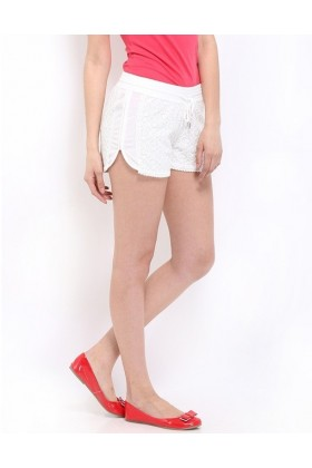 Pantaloni scurti albi din dantela  - 1
