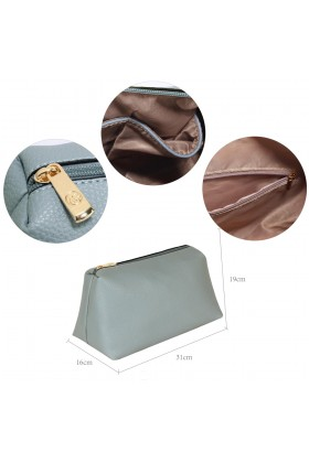 Geanta tip sac din piele ecologica albastra cu accesoriu din blanita  - 3