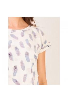 Tricou alb imprimat cu pene sfasiat  - 2