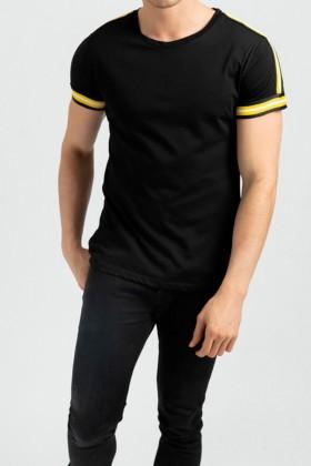 Tricou negru casual cu dungi galbene la maneci  - 1
